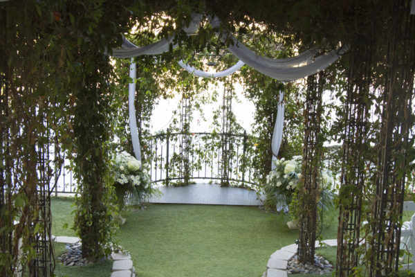 Wedding Ceremony Packages: Lakeside Garden Infinity All Inclusive Wedding & Reception